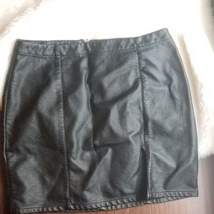 Forever21 faux leather mini skirt